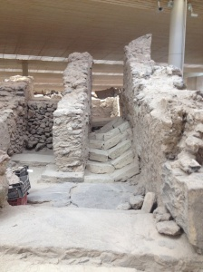 Broken stairs found at Akrotiri excavation site