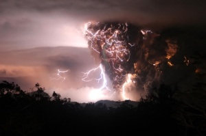 Natural phenomenon of volcanic lightning at the eruption of Chilean volcano Chaitin May 6, 2008. Photo: Gutterriez C.
