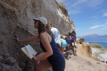 Hanako studies pyroclastic rocks from the Minoan eruption