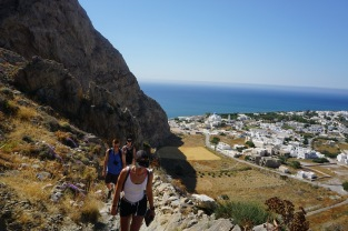 Hiking up to Ancient Thira