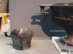 I found many cups, bowls, and vases molded from silver and gold. This added to widen the variety of materiald used to make every-day-objects.